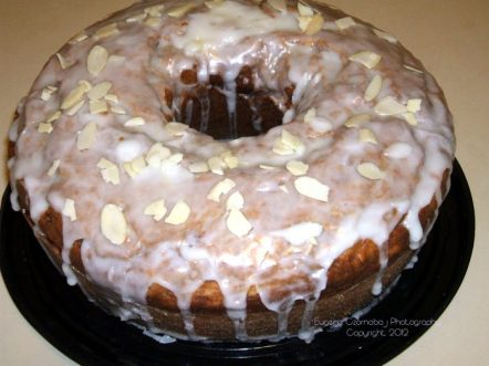 Cloud 9 Iced Banana Ring Cake