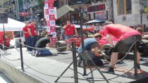 wheel change race